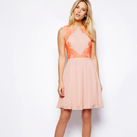 Lace Color Block Dresses